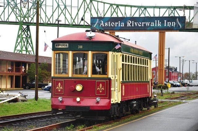 Astoria Old 300 Trolley